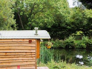 SHEPHERDS HUT, studio set-up, farmland, in Moretonhampstead