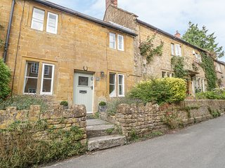38 LOWER ODCOMBE, woodburner, near Yeovil