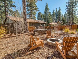 The Lake House at Tahoe Vista - 3BR Dream Home w/ Hot Tub, 20 Mins to Skiing