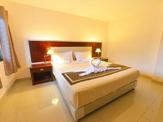 Super big budget suite room with FREE Daily cleaning / WIFI / Electricity