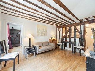 Classic Two Bedroom Mairais Paris