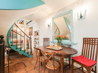 Classic Town House Paris Three Bedrooms