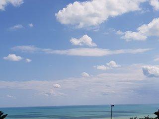 Ampio Bilocale con doppio balcone vista mare