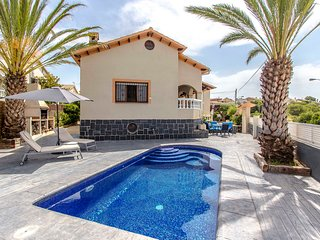 Catalunya Casas: Picturesque Villa Isabel, just a short drive to the beach!