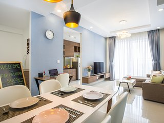 Luxury Decor 3 Bedroom Apartment on 30th Floor Near Ben Thanh with Free Gym Pool