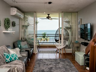 Special Price!! Beautiful Beachfront Apartment 2 bed/2 bath/ Wifi/2 Free Parking
