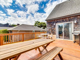 Family-friendly house with ocean view - close to beach & golf!