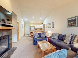 NEW LISTING! Mountain view condo w/balcony & shared hot tub - walk to ski lifts