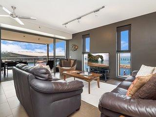 Neptuna 335 - 3 Bedroom Darwin Waterfront Apartment
