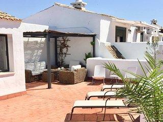 Primera linea en la playa con gran terraza privada en Zahara de los Atunes
