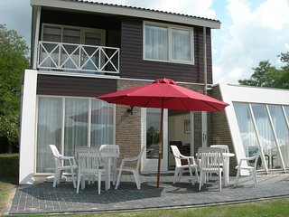Emsland Comfort at the lake of Holidaypark Emslandermeer