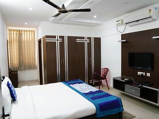 Balcony Room in Hitech Shilparamam Guest House
