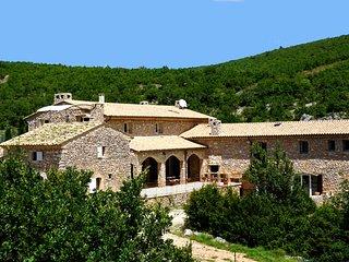 Bastide provencale, CALME, Piscine chauffee, Tennis prive, Spa