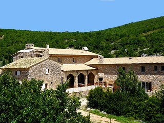 Bastide provençale, CALME, Piscine chauffée, Tennis privé, Spa