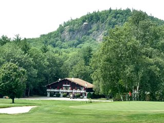 Linderhof Golf Course Condo / Across from Storyland
