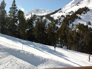 Ski in Ski out Apartment with Mountain views, Sleeps 6, Les Arcs 1950