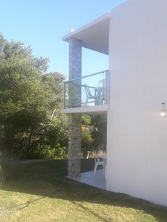 Casas estilo Piedra 2 ambientes - Base 2 personas (hta 4 huespedes): Vista al parque y al arroyo