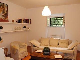 Elegante e quieto appartamento nel verde a Parioli