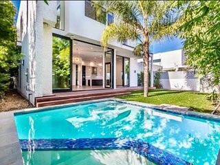 Idealy Located Spacious and Airy West Hollywood Stunner