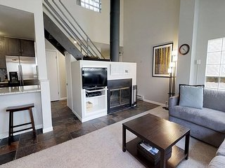 Creekside 2 bed East Vail condo #1D. Hot Tub, Market, Shuttle.