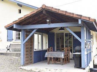 Large cottage Gite d'Alienor 8/10 p and animal park
