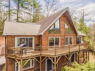 New! Those Mountain Eyes. 3,400 square foot, 4 bdr, 4 1/2 bath mountain house