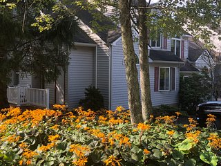 2 Attached Townhses 6BR 2 Lofts 4Full Bths 2 kitchens,close to slopes and lake