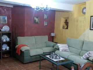 CASA RURAL HASTA 8 personas. Casa en Sierra de Gata, rehabilitada en 2015