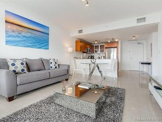 Midtown/Wynwood Luxury Condo| Parking-Pool-Gym