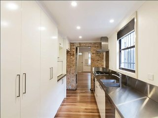 Close to CBD - Modern Vintage Terrace House