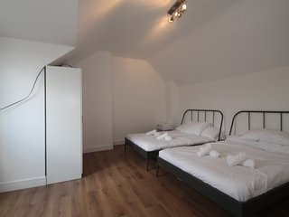 Coulsdon Apartment