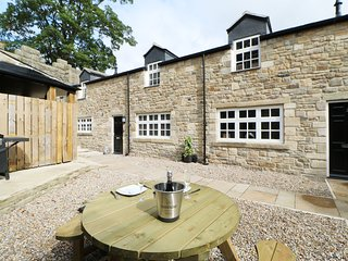 1 STANHOPE CASTLE MEWS, within Stanhope Castle, luxury interior, hot tub, Ref