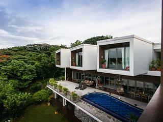 First Stunning Luxurious Villa Between Airport & City Center!