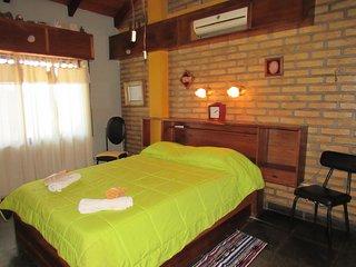Bottega Nau Tata para 4 o 5 personas (cama matrimonial y 3 plazas individuales)