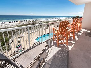 SP 302:BEACH FRONT condo with UNFORGETTABLE VIEWS and a GREAT LAYOUT