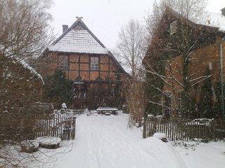 Fachwerkhof Gödringen mit Blick auf Harzvorland Brocken