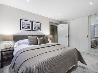 W Apartments - Superior Apartment