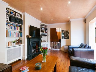 Bright Munster Road Apartment - MM2