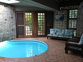 Itamambuca - 4 suites com piscinnte a 50 mts da praia