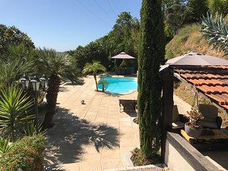 Appartement independant dans villa avec piscine