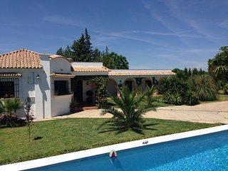 Lujosa y espaciosa Finca espanola (Villa) con piscina privada cerca de Sevilla