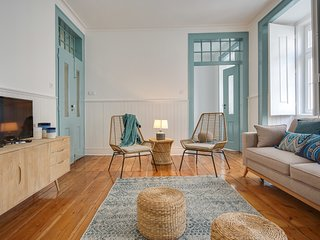 Blue & Bright Apartment in Baixa