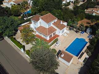 5 bedroom south facing Casa Maria with table Tennis, Pool table, Near Beach