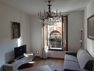 CS' VALERIA , A SUNNY 1ST FLOOR VENETIAN HOUSE IN A QUITE AREA