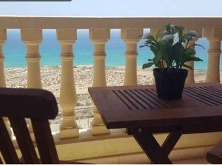 Tranquilidad, sol y playa sobre el Océano
