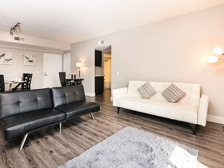 2 Bedroom Corporate Suites in Mid-City Lic315