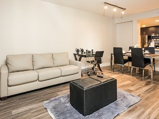 1 Bedroom Corporate Suites in Mid-City Lic149