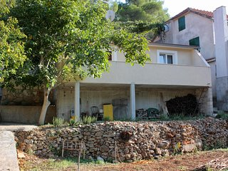 One bedroom apartment Basina (Hvar) (A-9673-a)