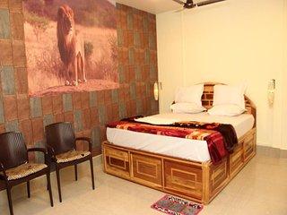 Hotel Dev Haweli (Platinum Suite 4)