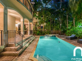 Villa Verona - Private Luxury Estate in the middle of Miami!